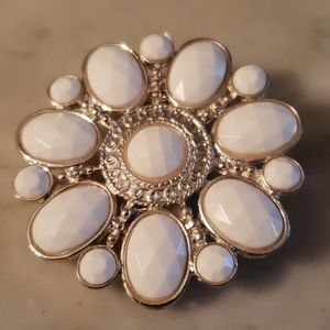 Large White Flower Statement Stretchy Ring
